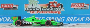 27 James Hinchcliffe - 1st Place on the finish line