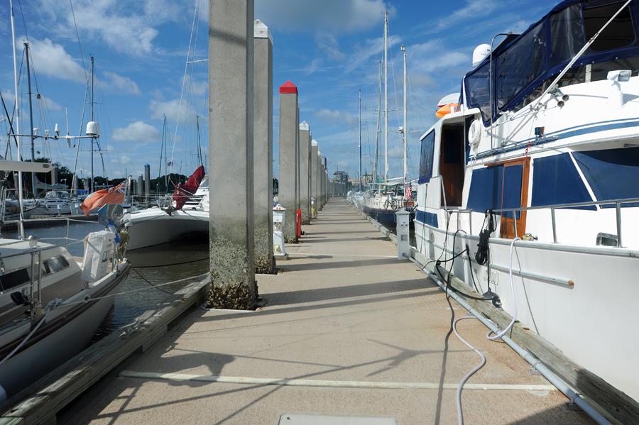 Fernandina Harbor Floating Concrete Dock for Transient Boat