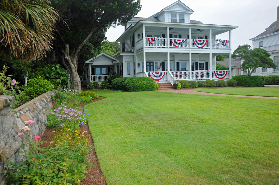 Historic Waterfront Home - Beaufort