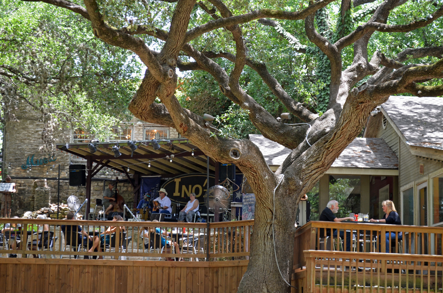 The deck at Ino'z Brew and Chew