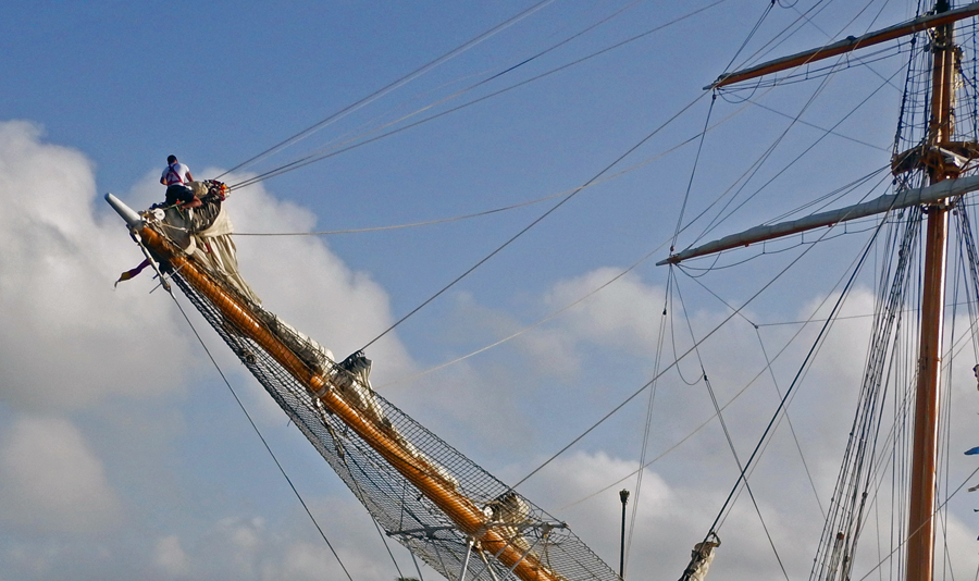 See the sailor on the bowsprit?