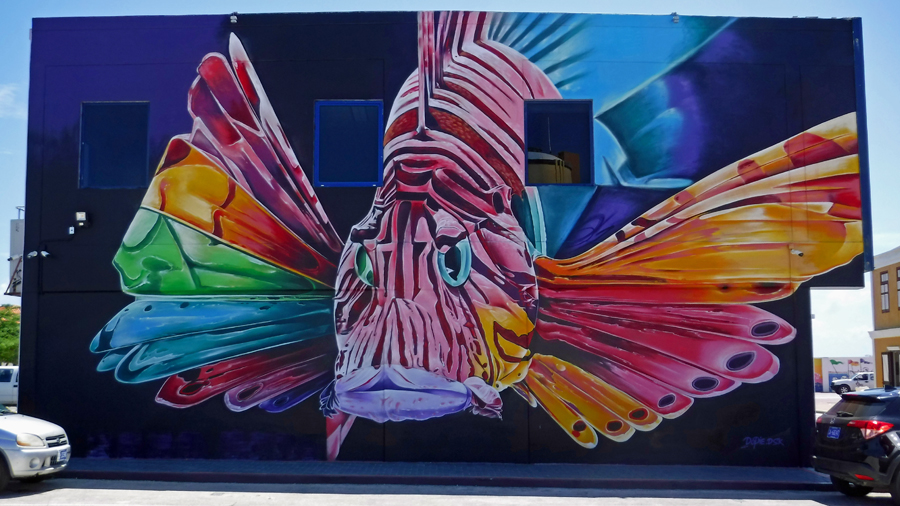 This lion-fish really had a wow factor - one of the many awesome murals in San Nicolas Aruba