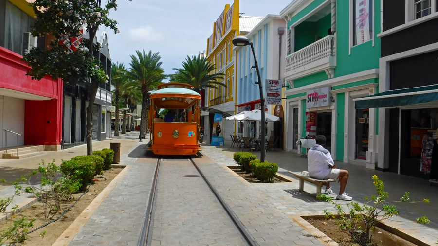 A free tram runs up and down Main Street
