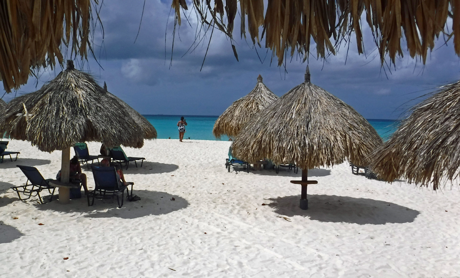 The white sands and turquoise waters of Eagle Beach, Aruba