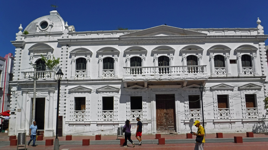 Edificio del Consejo Municipal - Municipal Council Building